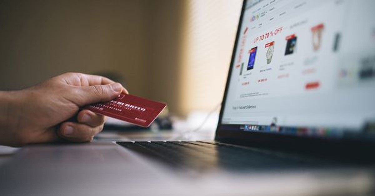 An Overdose of e-Commerce Shopping - Who is Winning the Game?